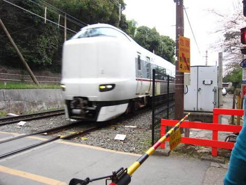 1・嵐山踏切・列車.JPG