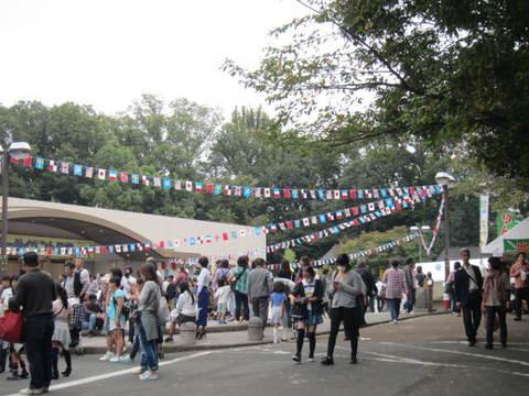 スカイワード・広場.JPG