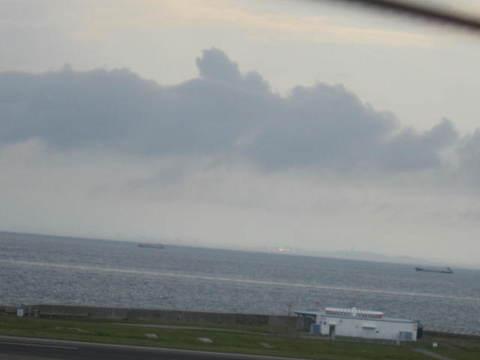 中部空港海・対岸1.JPG
