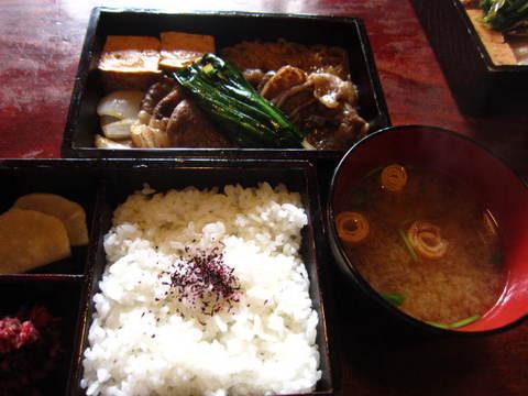 十二段家昼食.JPG