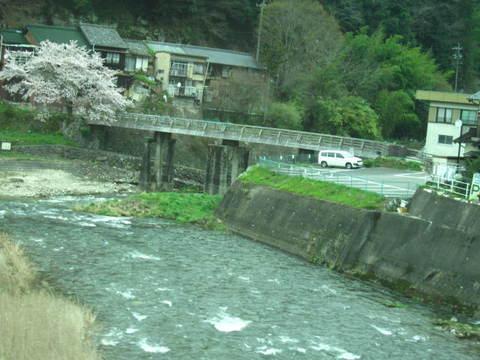 足助に・川1.JPG