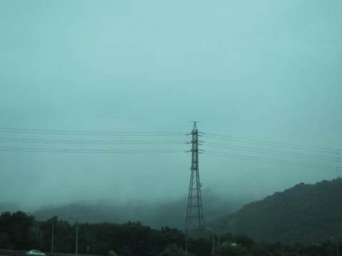 雨の東名.JPG