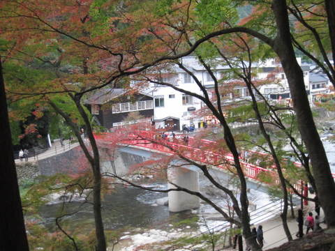 香嵐渓赤い橋5.JPG