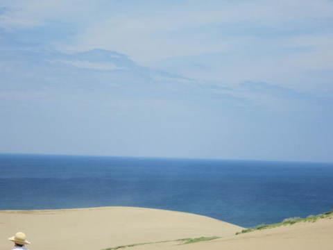2・5砂丘と海1.JPG