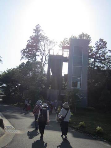 4・エレべーター塔.JPG