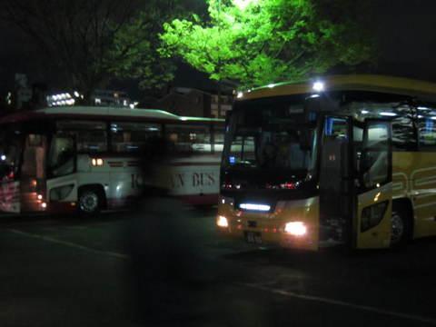 6・二条城前バス.JPG