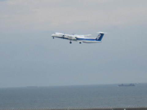ANA双発機・離陸.JPG