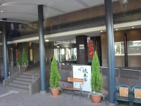 2・ホテル玄関.JPG