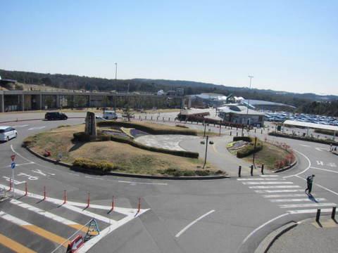 モリコロ公園・記念碑.JPG