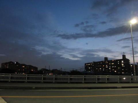 夜空・灯り1.JPG