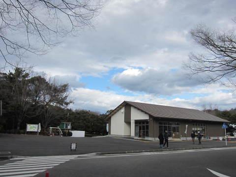 森林公園・休憩所.JPG