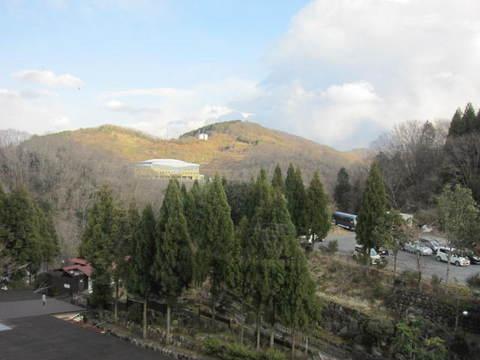1の3湯郷近辺山.JPG