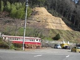 2の2備前焼レトロ電車.JPG