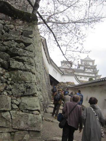 2の7姫路城と石垣・2.JPG