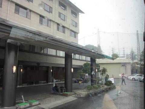 2・ホテルお見送り.JPG