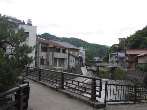 2・1湯村温泉川・橋.JPG